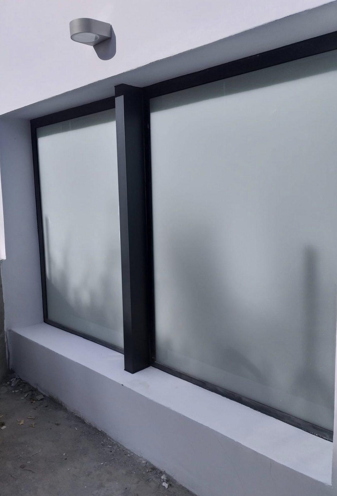 Ventana fija de aluminio RPT Hoja Oculta Canal 16
